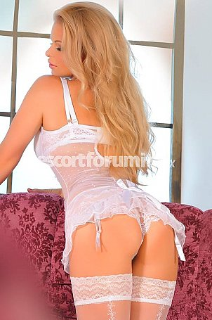 Sandy Milano  escort girl