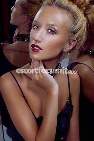 JULIA Firenze  escort girl
